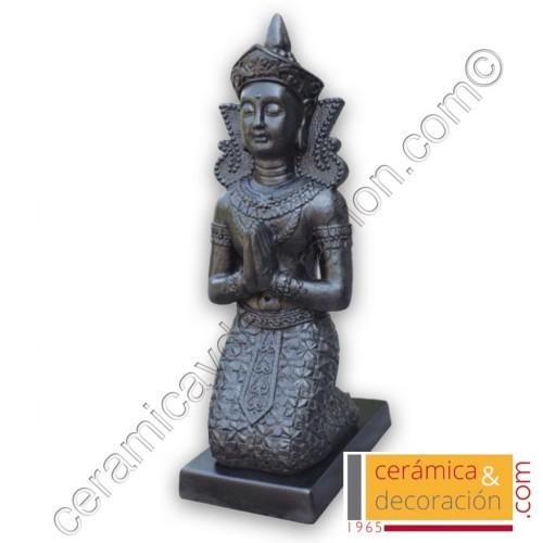 Buda Thai arrodillado