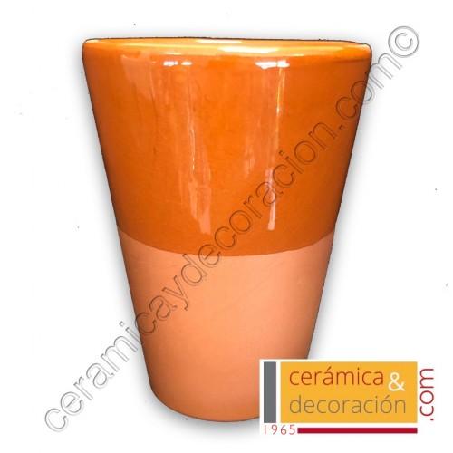 Vaso de barro cónico grande